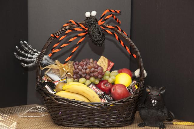 Port-Alberni_Halloween-Gift_Baskets.jpg