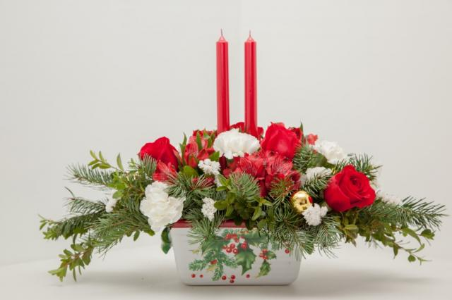 Christmas_Flower-Arrangement_Port_Alberni.jpg