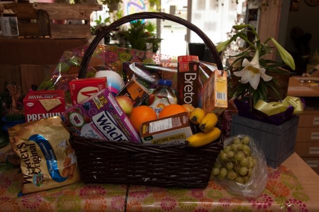 lcp-gift-basket-apr3-2020-2040.jpg